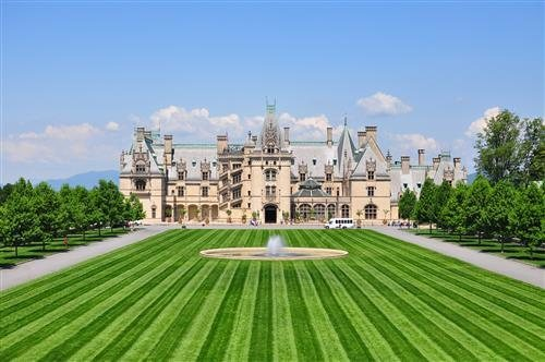 North carolina 39 s scariest real haunted houses for Is biltmore estate haunted